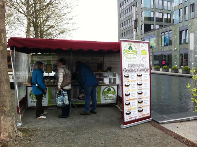 jeden Freitag veganer Marktstand in Passau